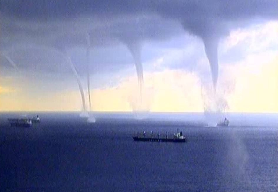 5 Tornadoes At Once