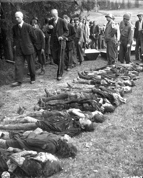 11 Mei 1945, warga sipil Jerman dipaksa untuk melewati 30 mayat wanita Yahudi yang tewas kelaparan setelah diperintahkan oleh pasukan SS Jerman untuk berjalan kaki sejauh 300 mil di Cekoslowakia.